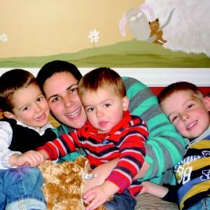 Marjorie Delisle et ses fils, Félix 3 ans, Paul-Henri, 1 an et Xavier 5 ans Photo : Luc Lefebvre