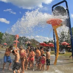 Parc de jeux d'eau La Bassine. Crédit : Village Québécois d'antan