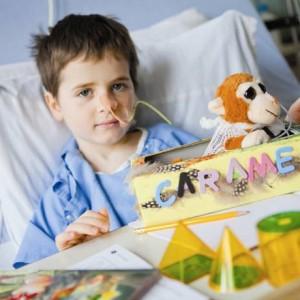 Raphaël, 6 ans, dans sa chambre à Sainte-Justine. Il se porte mieux aujourd'hui. Crédit: Marie-Josée Legault