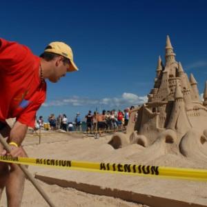 Le concours de châteaux de sable des Îles. Crédit : M.Bonato