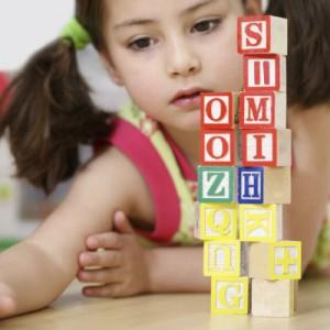 jeux_lettre_cubes_iStock