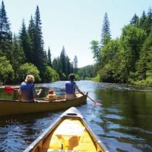Descente de la rivière L'Assomption en canot. Crédit : Au Canot volant