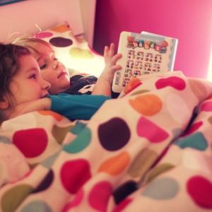L'amour de la lecture se transmet entre sœurs.